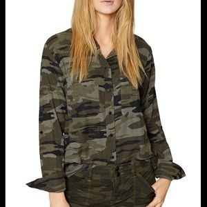 SANCTUARY Camouflage Steady Boyfriend Button Down